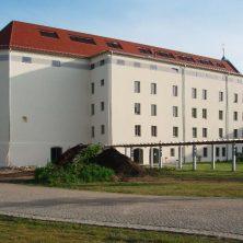 Kirche in Luckau – Seitenansicht